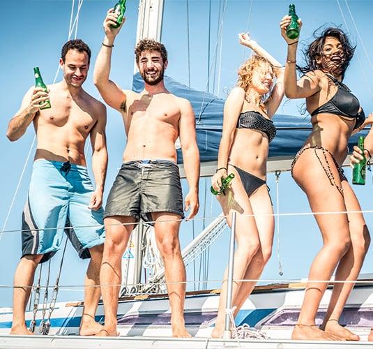 Celebra una fiesta en barco