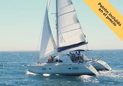 Alquilar catamarán en Benalmádena para 25 personas