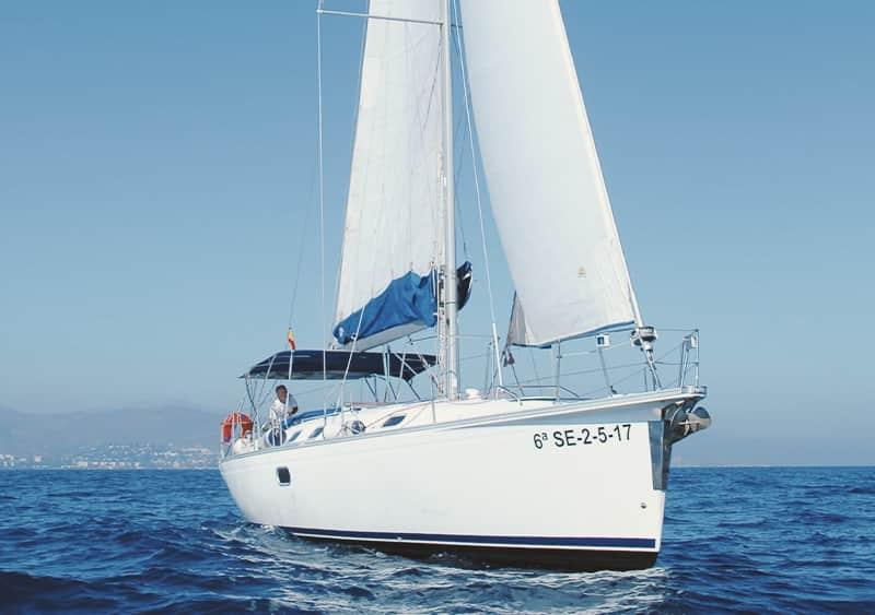 Alquilar velero para 11 personas en Caleta de Vélez