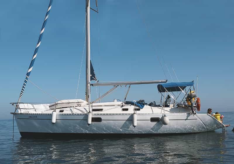 alquilar velero 10 personas en Estepona