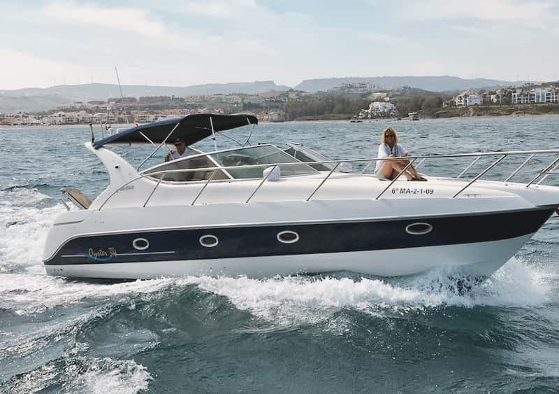 Alquilar barco en Estepona para 10 personas