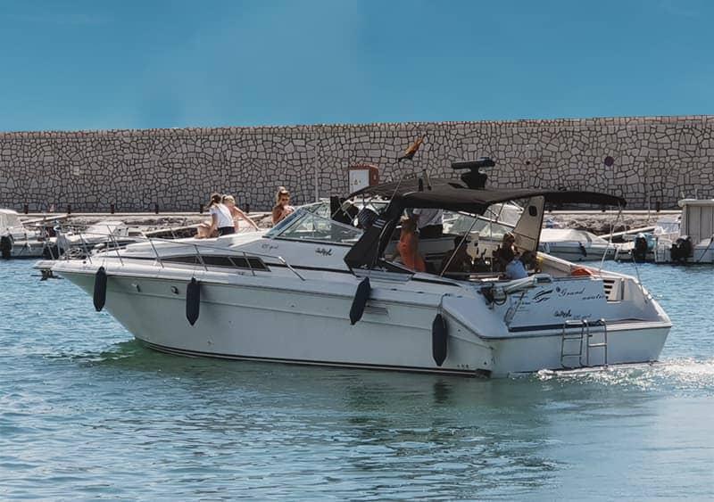 Alquilar barco para 12 personas en Fuengirola