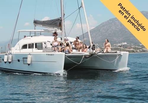 Alquilar catamarán para 12 personas en Marbella